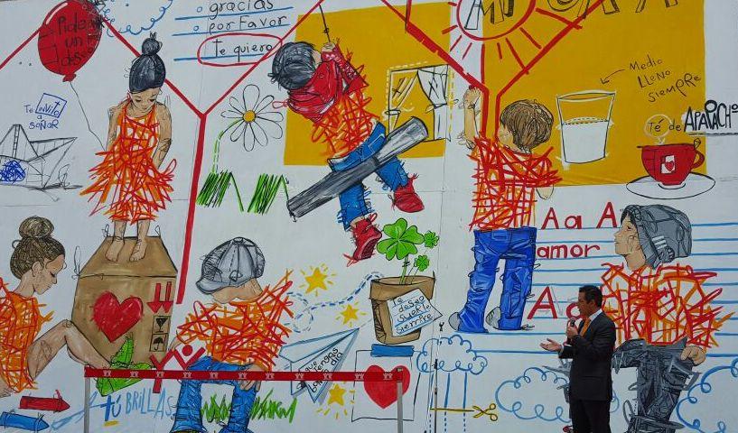 Mural de Infonavit con su director Alejandro Murat, que renunció recientemente al cargo para seguir su carrera política