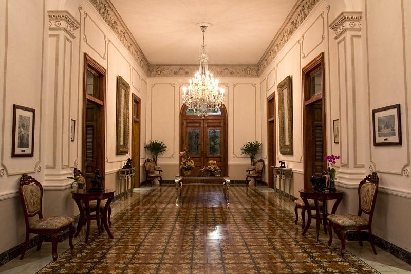 K´u´uk en una mansión de estilo toscano: Villa Donata